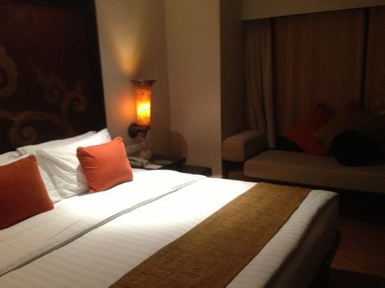 Movenpick Resort & Spa Karon Beach Phuket: garden room 406
