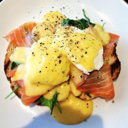 X74 Cafe Restaurant: Eggs Benedict (w) Smoked salmon.