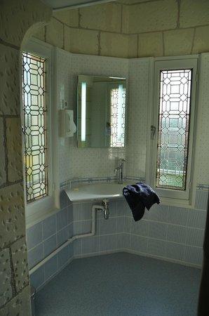 Manoir de Contres : part of bathroom of room no. 5