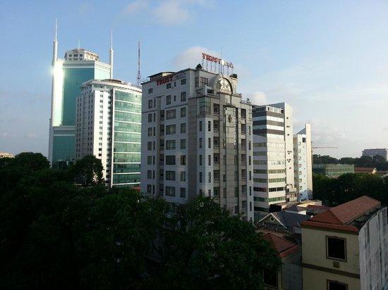 Saigon Sky Garden : City view from the balcony