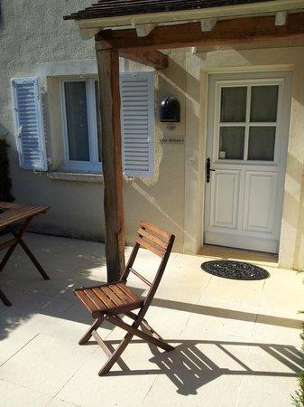 Hotel Saint-Laurent : Vue exterieure sur la chambre coté jardin avec sa terrasse