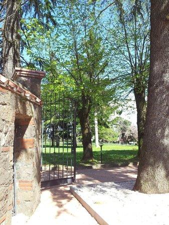 Borgo Clarosa: Ingresso