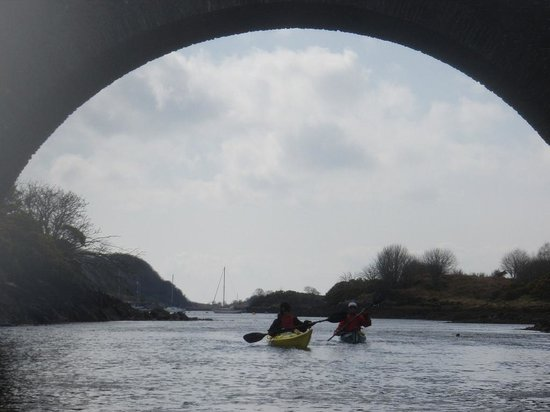 Sea Kayak Scotland: Bridge over the Atlantic