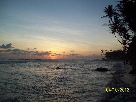 Amanda Beach Villa : Обалденно красивые закаты
