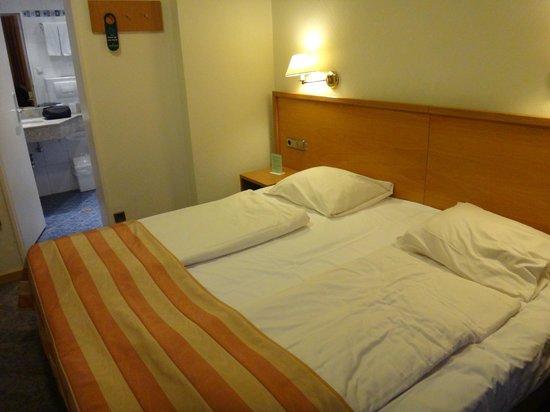 Hotel Central Molitor: chambre 2 lits