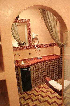 Riad Yacout: Salle de douche