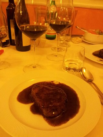 Hotel Borghetti: filetto all'amarone con calice Amarone