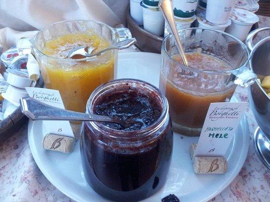 Hotel Borghetti: colazione - le marmellate fatte in casa