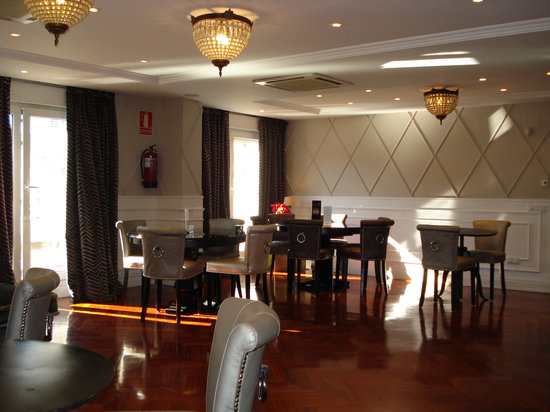 Restaurant picture of luxury suites madrid tripadvisor for Luxury suites madrid madrid