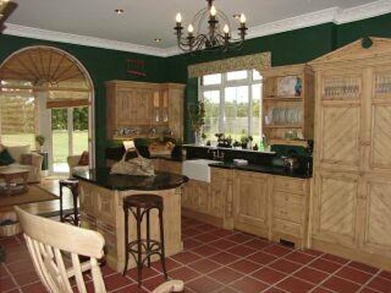 Beechwood Country House: Kitchen