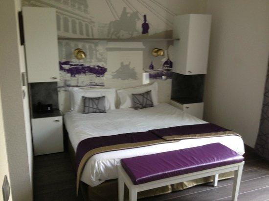 Lagrange City Apart'Hôtel Lyon Lumière: bed