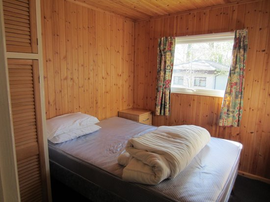 St. Ives Holiday Village: Master bedroom