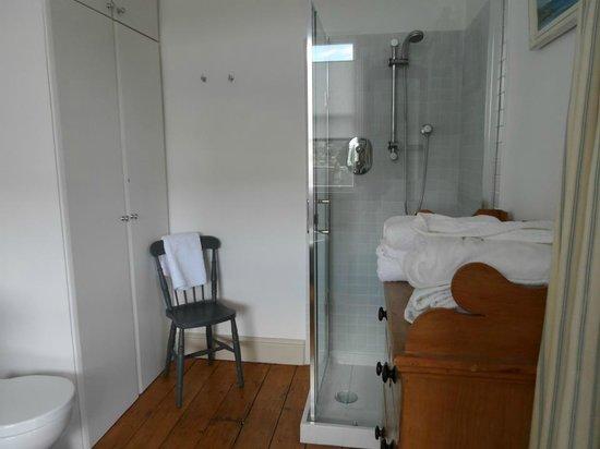 4 Beaufort : Shower