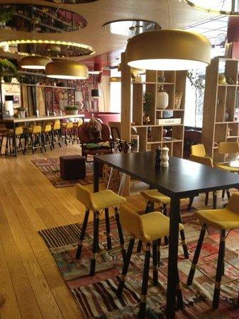Clarion Hotel Gillet: bar/restaurant area