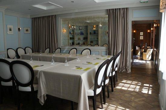 Salon priv picture of hostellerie de la porte bellon for La porte de salon