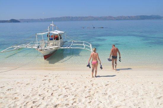 Cashew Grove Beach Resort : Super snokling