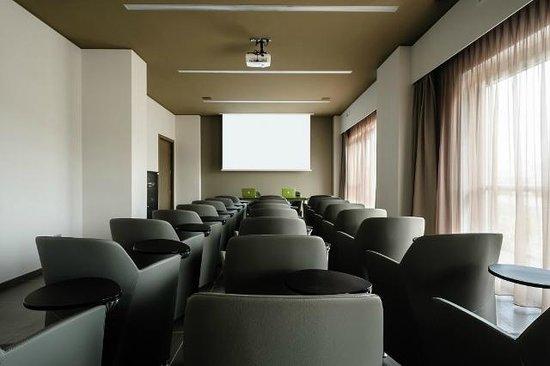 8piuhotel: Sala Meeting