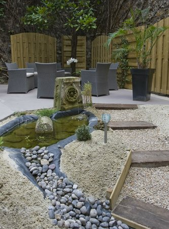 Best Western Montcalm : jardin