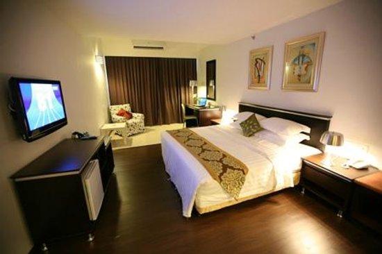 Ritz Garden Hotel: Suite room