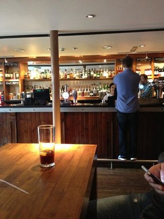 West Port Bar & Kitchen: well stocked bar !!!