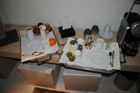 La Chaumière : petit-déjeuner servi en chambre