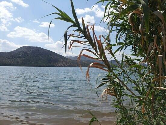 Casa Bob: lake Iznajar
