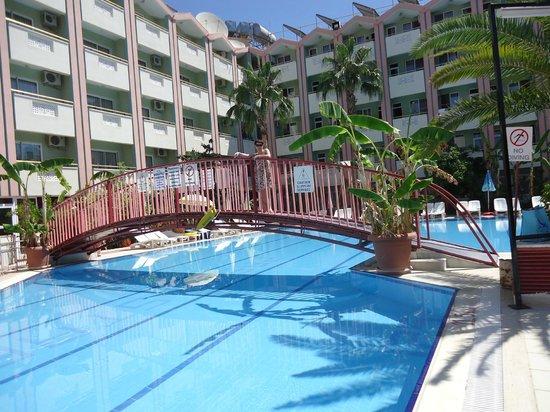 Gazipasa Star Hotel: Pool Wiev