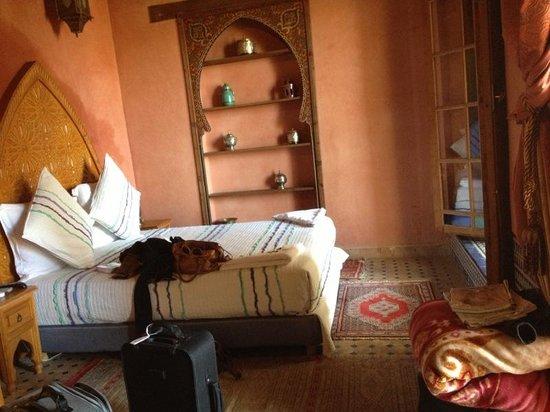 Riad Layalina Fez: letto