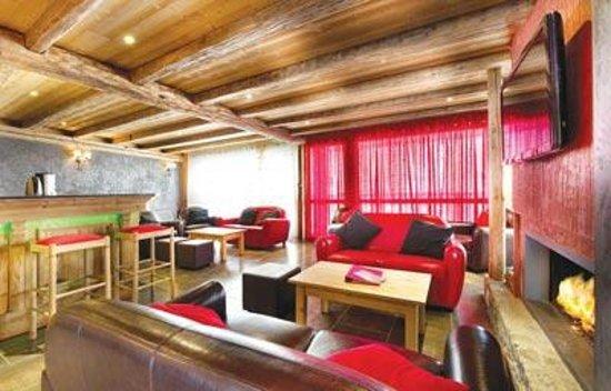 Chalet Corniche: Lounge area