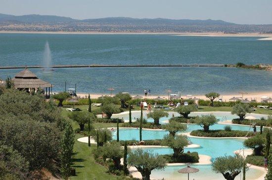 Vincci Valdecañas Golf Hotel: Piscina y playa