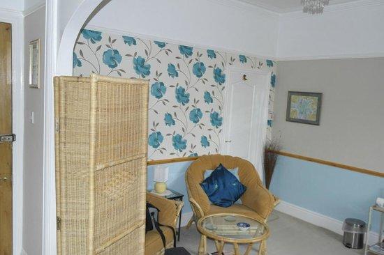 Buxton House: Suite lounge