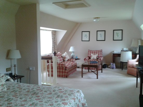 Horsted Place: The Cottage room