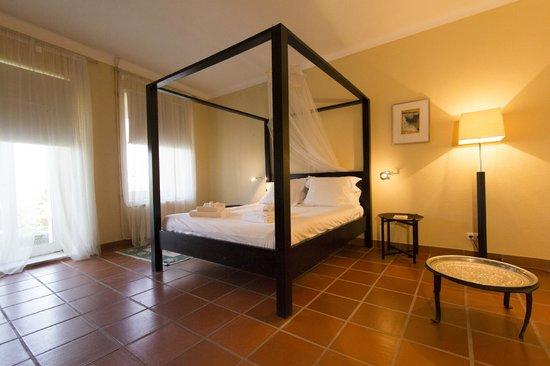 Herdade Outeiro de Esquila: Master Bedroom at MAIN HOUSE (a 4 bedroom house)