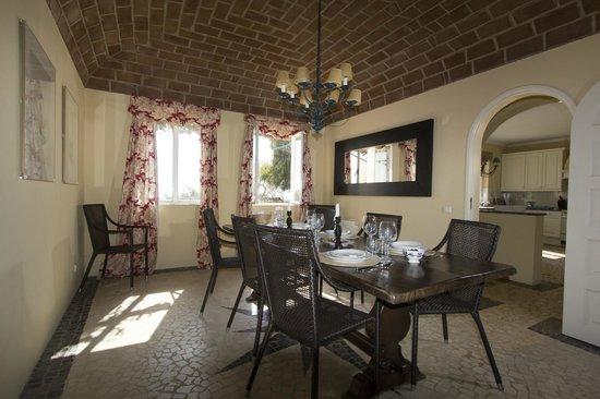 Herdade Outeiro de Esquila: Dining Room at MAIN HOUSE (a 4 bedroom house)