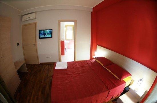 B&B Santa Caterina : Camera matrimoniale, doppia o uso singola. Bagno in camera.