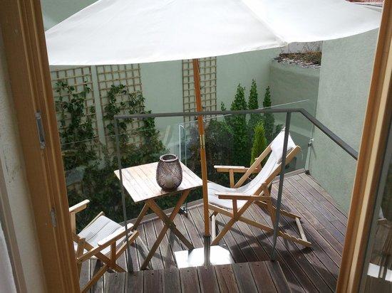 Casa Amora Guesthouse: terrace