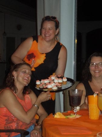 Simply Cupcakes of Marco Island: yummy!