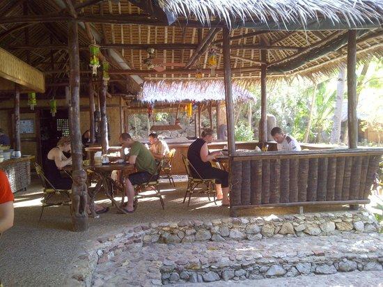 Sangat Island Dive Resort: Restaurant area