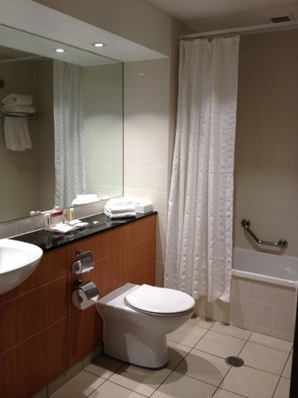 Crowne Plaza Newcastle: Bathroom