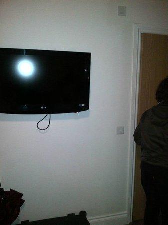Queens Hotel: Tv