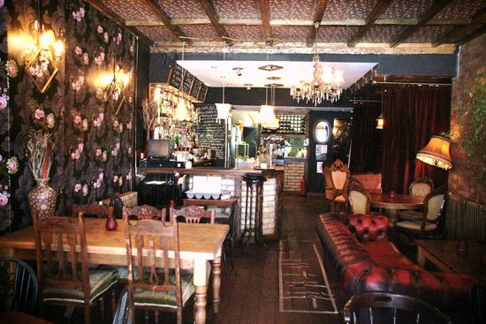 The Hamlet: Upstairs dining and bar