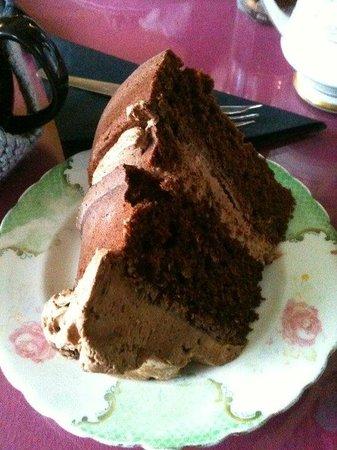 Loopy Lorna's Tea House : chocolate cake