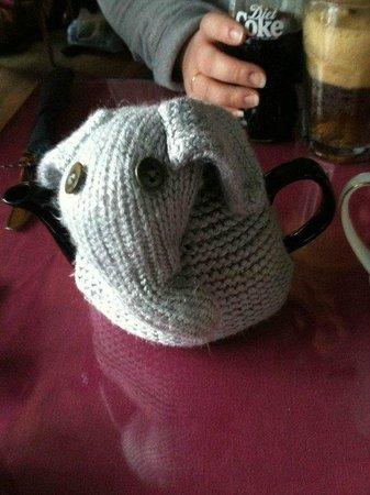 Loopy Lorna's Tea House : Tea cosy