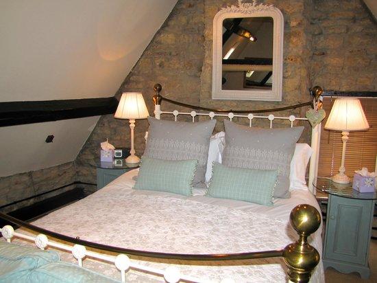 The Inn at Fossebridge: Deluxe Cheltenham Room