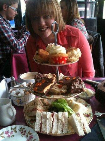 Loopy Lorna's Tea House : Afternoon Tea