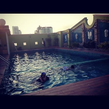 Paradise Sukhumvit: pool