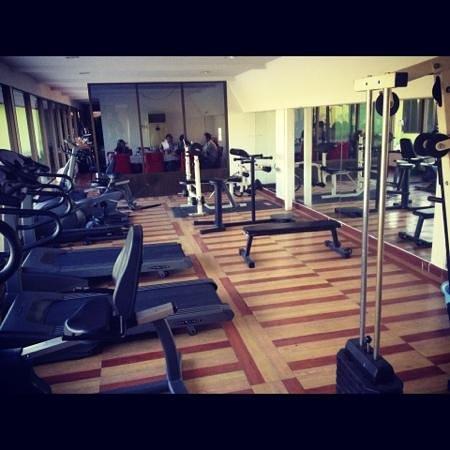 Paradise Sukhumvit: gym
