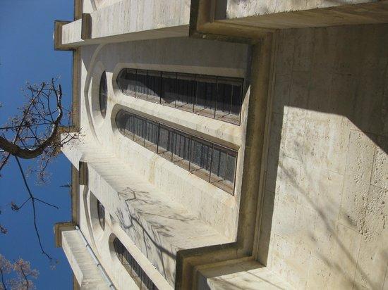 Le Pré Vert : под стенами собора