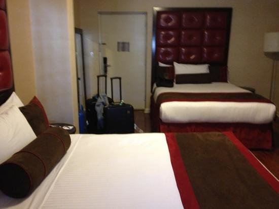 Hotel Belleclaire: own room very big and plenty of space