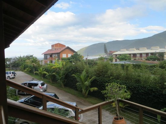 Pousada Penareia: View of the ocean and mountains from in front of our room